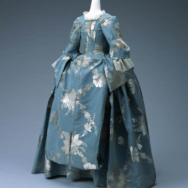 Dress (Mantua)