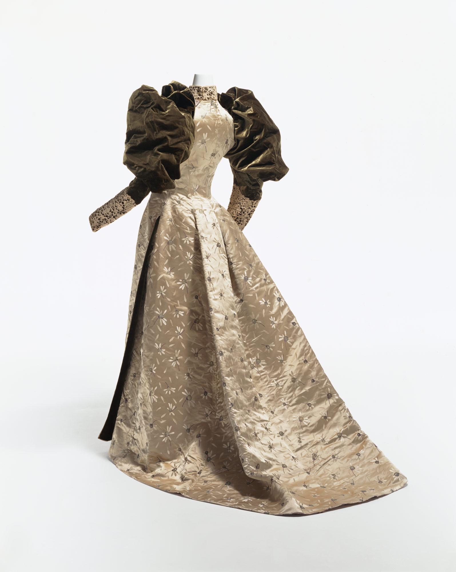 ディナー・ドレス