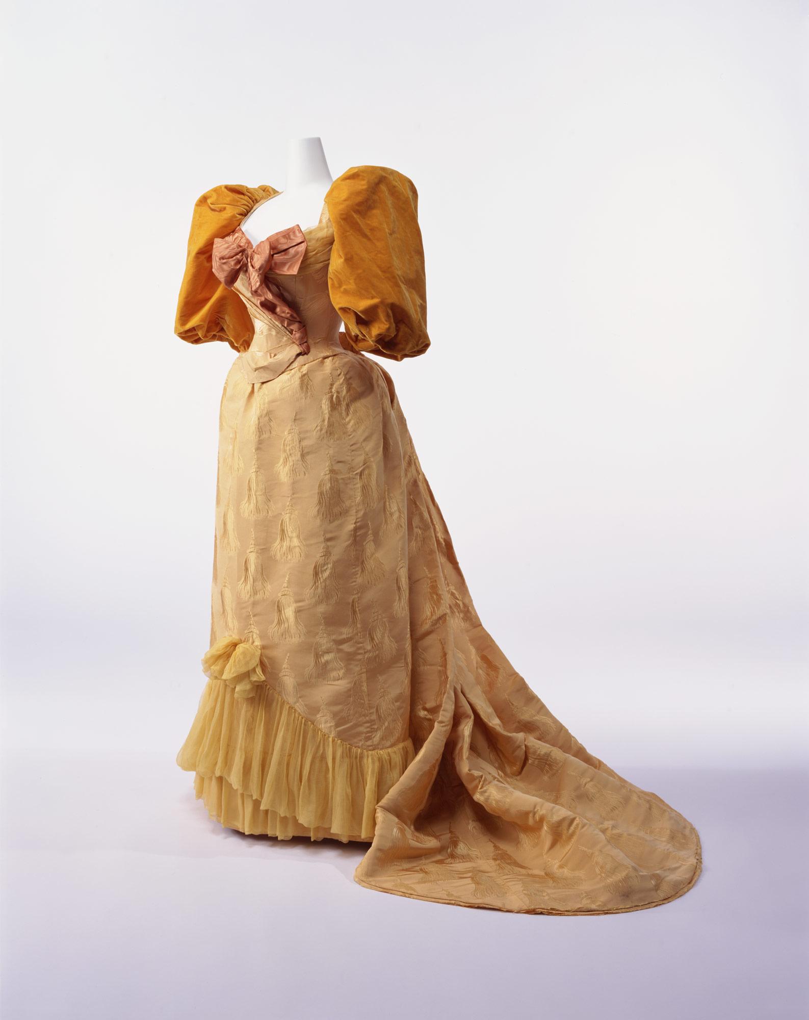 舞踏会用ドレス