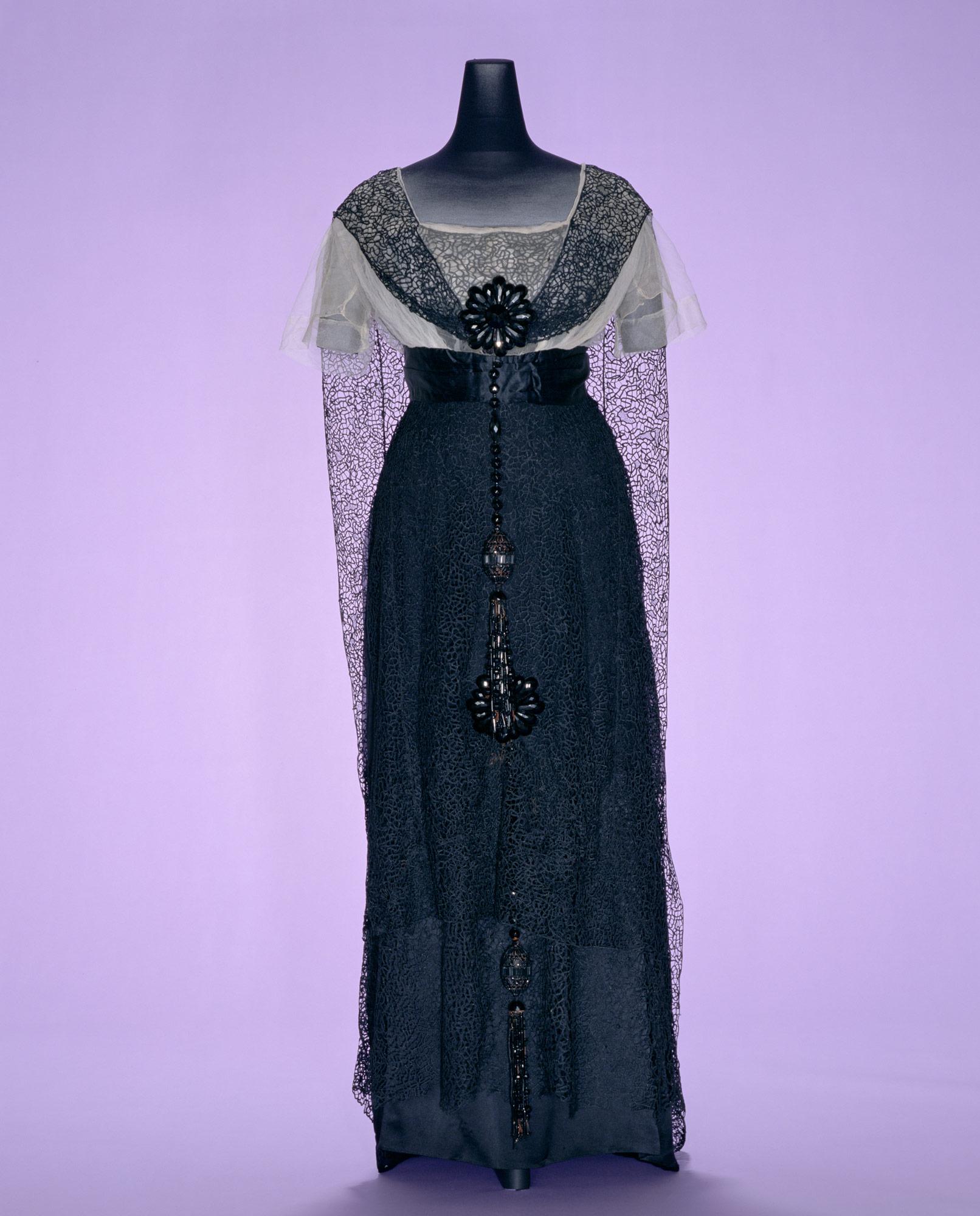 イヴニング・ドレス