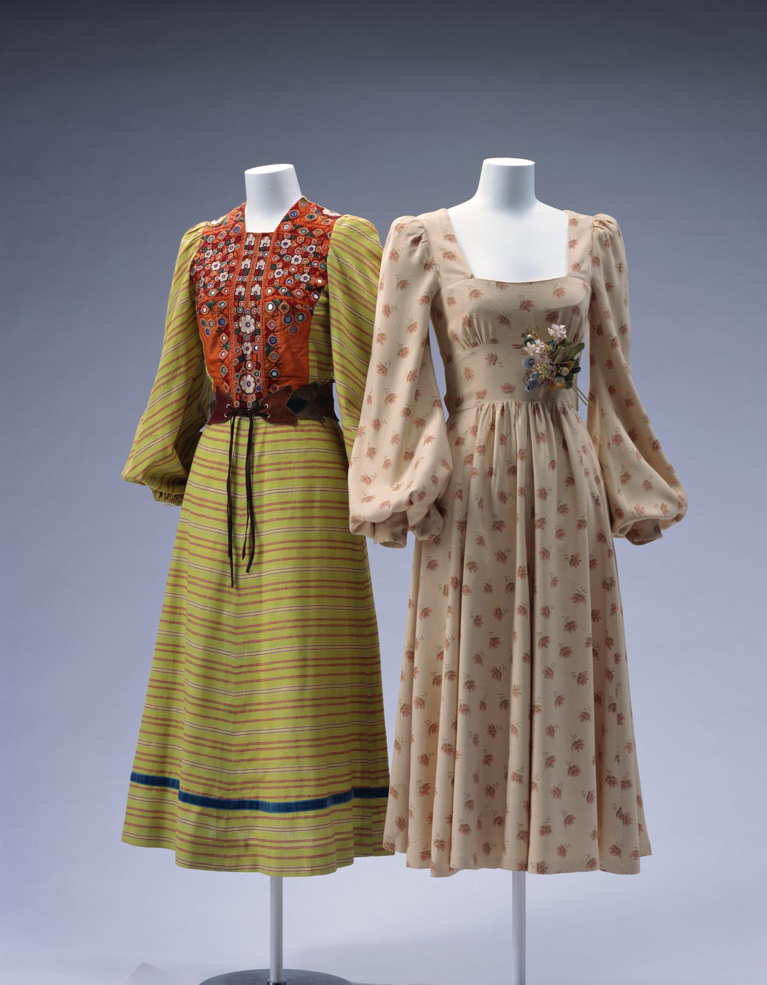 ドレス[左] ドレス[右]