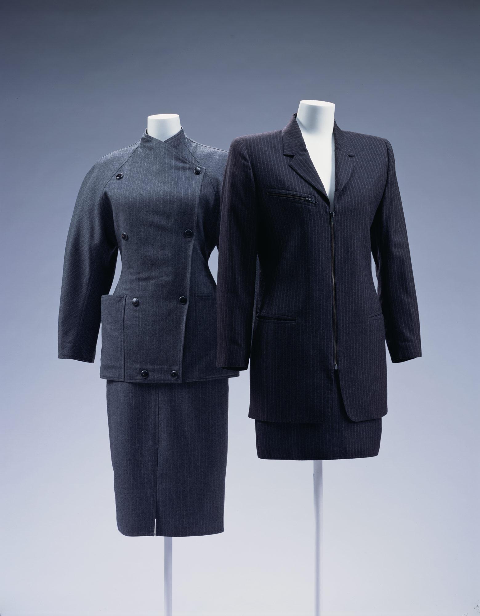 スーツ[左] スーツ[右]