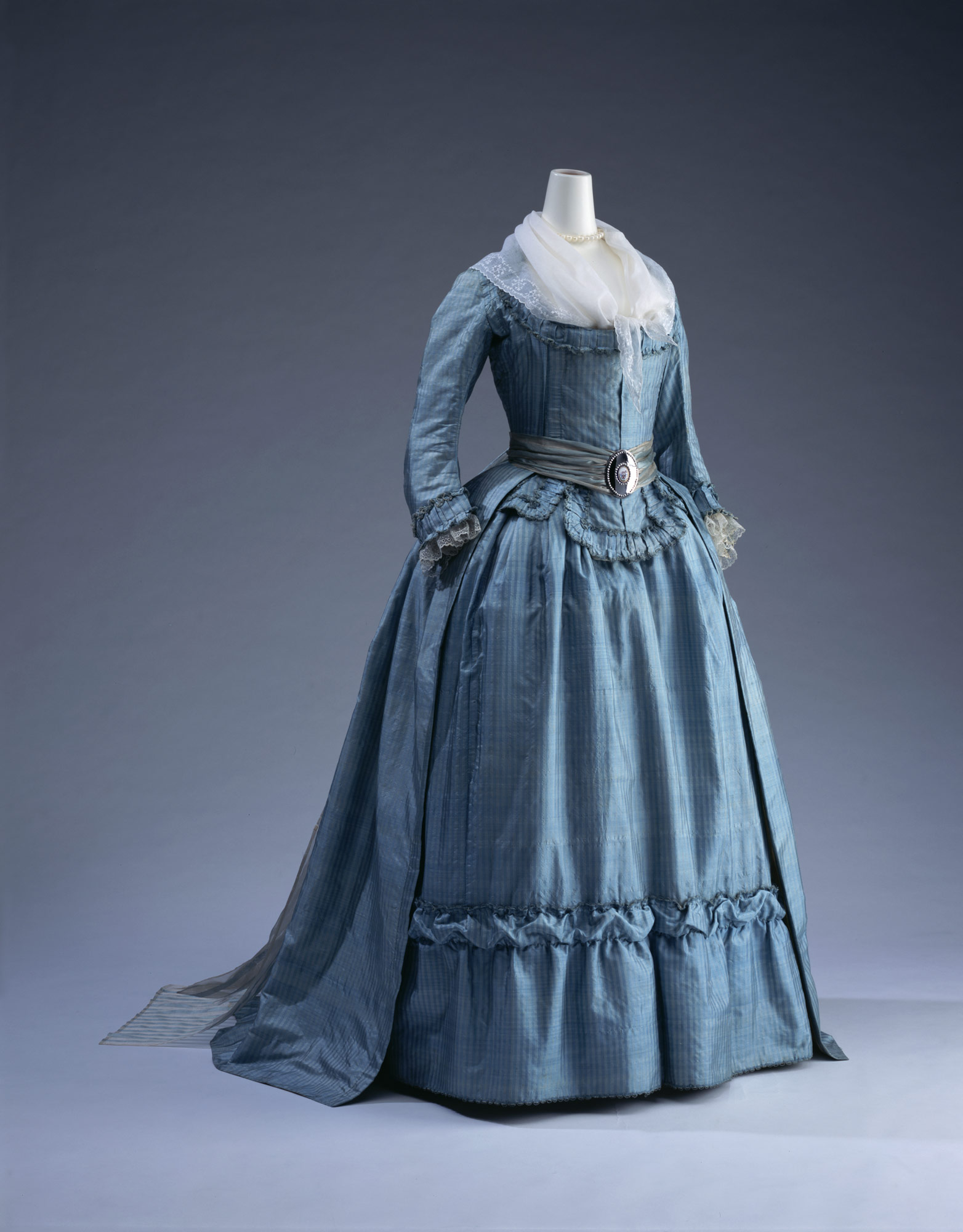 Dress (robe à l'anglaise)