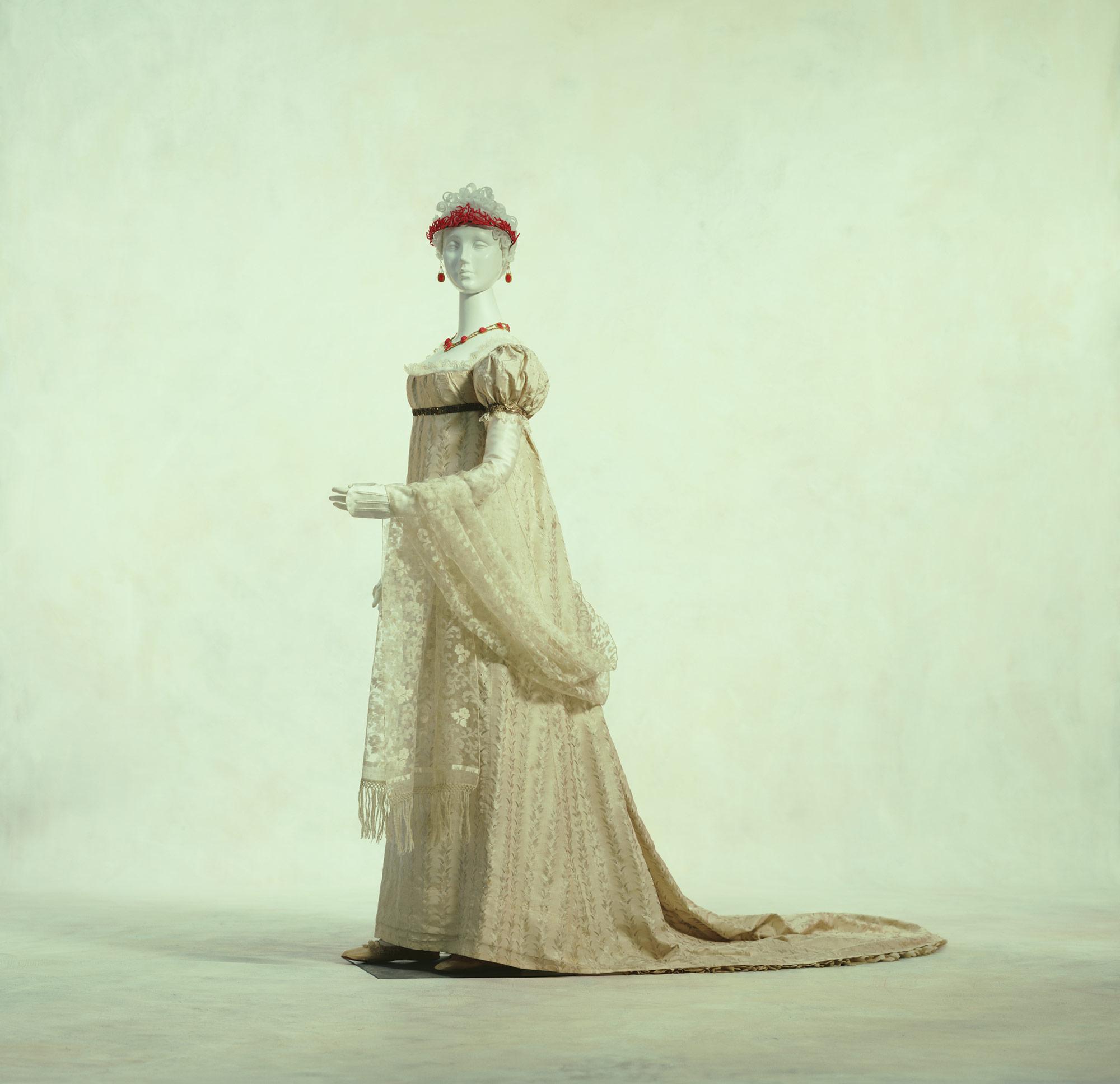 盛装用ドレス